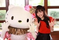 松井愛莉がシンデレラ衣装のキティちゃんに恋愛相談! 恋に悩む女子にキティちゃんがかけた魔法とは…?