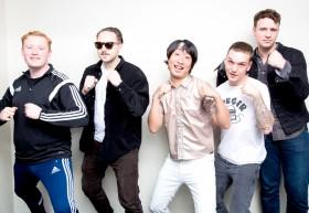 """「ゆってぃの""""グローバル芸人""""への道」英国人気バンドに""""ワカチコ""""ネタは通用するのか?"""