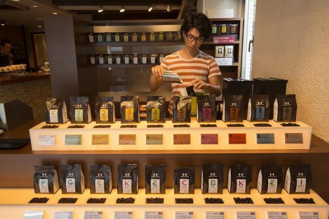 「堀口珈琲」世田谷店のコーヒー豆販売スペース