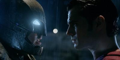 『バットマン vs スーパーマン ジャスティスの誕生』Courtesy of Warner Bros. Pictures/ TM & (C) DC Comics (C)2015 WARNER BROS. ENTERTAINMENT INC., RATPAC-DUNE ENTERTAINMENT LLC AND RATPAC ENTERTAINMENT,