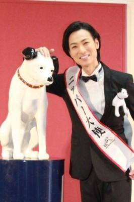 ビクターエンタテインメントのシンボル、犬マークの「ニッパー(NIPPER)」の二代目大使に就任  (C)oricon ME inc.