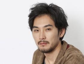 松田龍平インタビュー『関係性が父と息子から男同士になっていく』