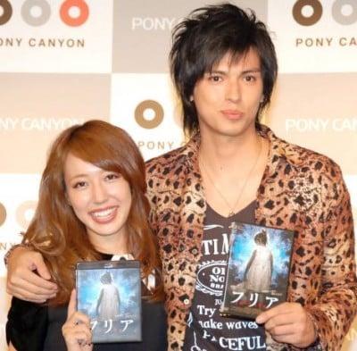 AKB48の元メンバー・川崎希と夫のアレクサンダー (C)oricon ME inc.