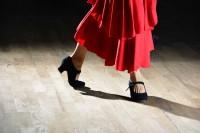 靴ずれに悩む女性たちへ… 働くオンナの激闘MOVIE