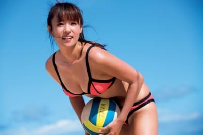 写真集『This is Me』『AKUA』(ともに集英社)で水着姿を披露した深田恭子