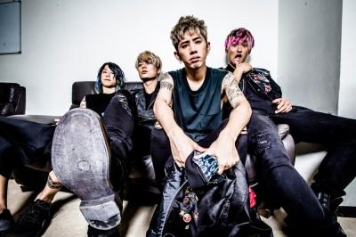 シングル「insane dream」を楽曲提供・プロデュースしたON OK ROCKのTaka