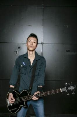 ベース・小林勝