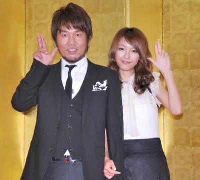藤原敏史&木下優樹菜夫妻、10年9月の結婚会見の模様 (C)ORICON NewS inc.