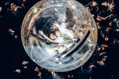 「桃太郎」で披露するウォーターボールが代名詞に 写真:横山マサト