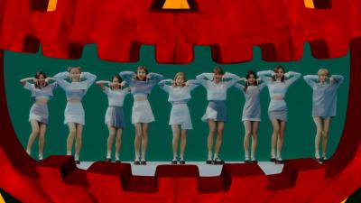 TWICE「TT」のミュージックビデオ