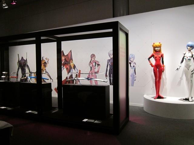 「ヱヴァンゲリヲン新劇場版」と「日本刀」がコラボした『ヱヴァンゲリヲンと日本刀展』。写真提供:全日本刀匠会事業部
