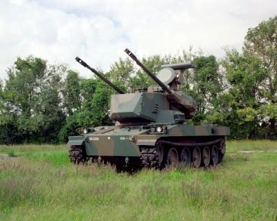 非公式の愛称ながら「ガンタンク」と呼ばれる『87式自走高射機関砲』(陸上自衛隊HPより引用)