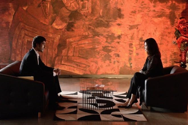 """『祈りの幕が下りる時』では、松嶋菜々子演じる元女優の演出家・浅居博美との""""対決""""が繰り広げられる"""