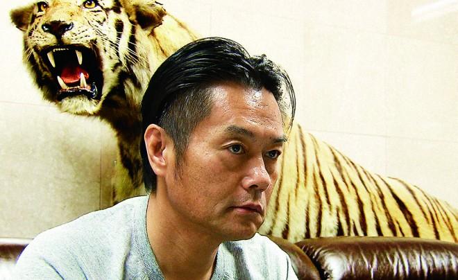 『ヤクザと憲法』大阪の指定暴力団「二代目東組二代目清勇会」にカメラが入る。実録ではなくこれはホンモノ