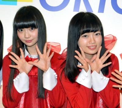 NGT48荻野由佳(左)、中井りか(右)