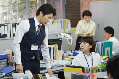 左から田中圭、吉岡里帆(C)カンテレ