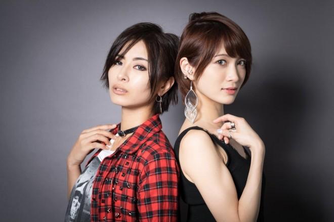 ロックバイオリニスト・Ayasa(右)と、イケメン女子モデル・AKIRA(左)によるロックユニット『+A(プラスエー)』
