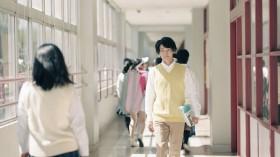 女子高の教師を演じる中村倫也