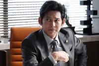 『SUITS』日本版成立の鍵は配役 Pが明かす織田&保奈美27年ぶり共演は偶然の産物