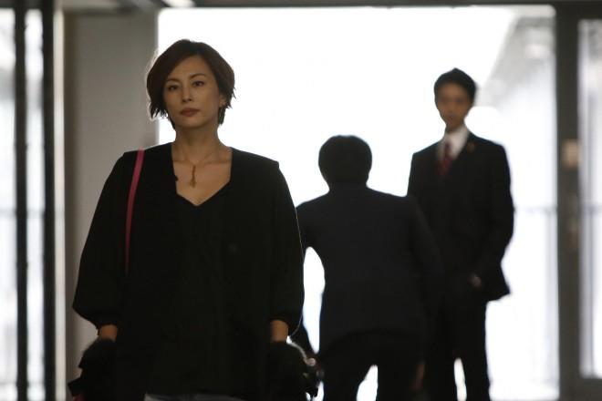 早くも視聴率20%の大台を視野に入れる絶好のスタートを切った『リーガルV〜元弁護士・小鳥遊翔子〜』(C)テレビ朝日