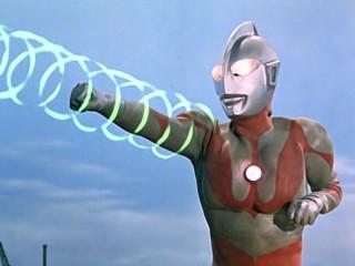ウルトラマン第32話「来たのは誰だ」で使用されたウルトラアタック光線 (C)円谷プロ
