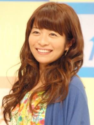 三倉茉奈。