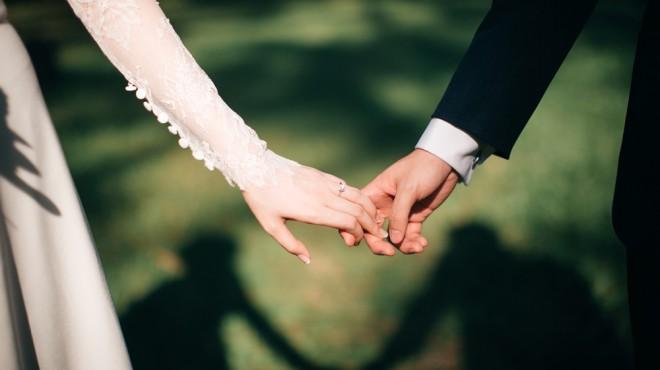 結婚 した 有名人 暴力団 今年