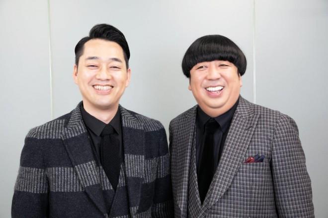 """25年にわたる""""コント愛""""を語ったバナナマンのふたり(左から設楽統、日村勇紀) 写真:田中達晃"""