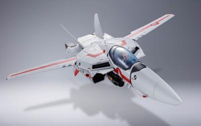 DX超合金 初回限定版 VF-1J バルキリー(一条輝機) (C)1982 ビックウエスト