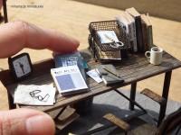 めちゃリアル…本物そっくりの精巧ミニチュア「金属加工や腐食の施し方を学んだ」