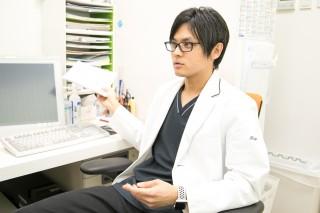 「お酒を飲むすぎるとむくみやすいというのは本当」と加賀先生。