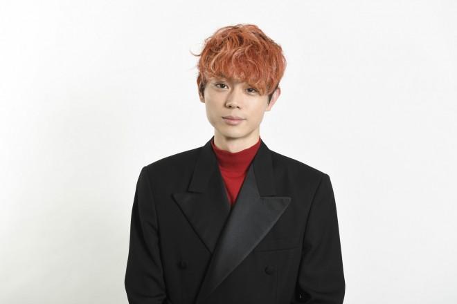 主人公の変身後の姿、シャザムを演じた菅田将暉