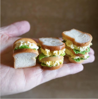 人気ミニチュアパン作家が明かす共感を呼ぶ理由、精巧さよりも「こんなの食べたい」を表現