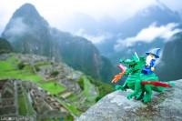 """マチュ・ピチュ遺跡からインドまで…レゴのミニフィギュアで作る壮大すぎる""""オモ写""""に反響"""