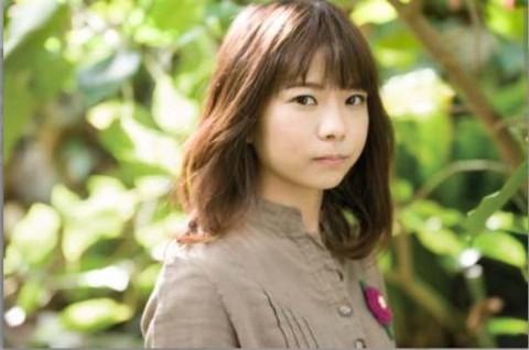 オリジナルCMソング「I can」を歌う、井上紗矢香
