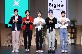 TOMORROW X TOGETHERがショーケース開催「BTSの弟分という名に恥じのないグループに」