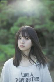 齋藤飛鳥の1st写真集『潮騒』より(撮影:細居幸次郎)