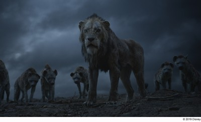 ハイエナを束ねるライオン・スカー