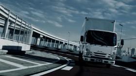 アイナ・ジ・エンドの歌声が流れた「技術の結集」篇 写真提供/いすゞ自動車