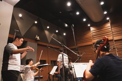 東京藝術大学音楽学部作曲科を首席で卒業した経歴を持つ坂東氏