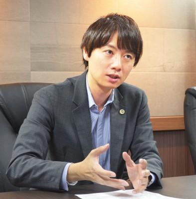 『芸能人の権利を守る 日本エンターテイナーライツ協会』発起人、佐藤大和弁護士