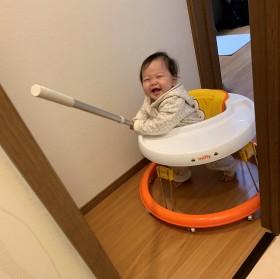 """ママのトイレ中に満面の笑みで""""突撃""""してきた赤ちゃんに「かわいいから許すとはこのこと」"""