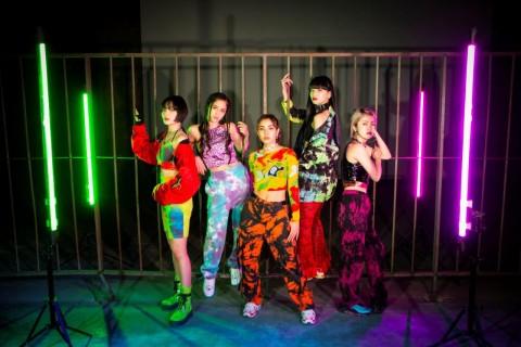 FAKYは2013年、「日本発、世界で活躍するガールズグループを」というコンセプトのもとスタート