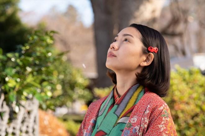 歌手を目指して音楽学校に通い始めた音(二階堂ふみ)(C)NHK