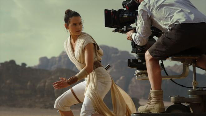 4月29日(水)より発売中『スター・ウォーズ/スカイウォーカーの夜明け』MovieNEX  (C) 2020 & TM Lucasfilm Ltd.