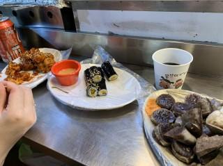 韓国屋台での食事