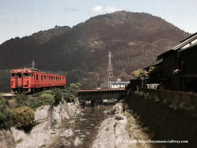 渓流沿いを走るキハ40 制作・画像提供/はやまさ鉄道