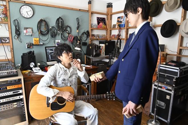 映画『461個のおべんとう』に出演する井ノ原快彦と道枝駿佑(C)2020『461個のおべんとう』製作委員会
