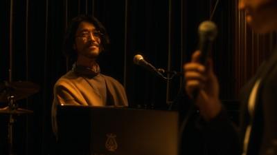優しい歌唱で歌い上げるみやぞんと大橋トリオ