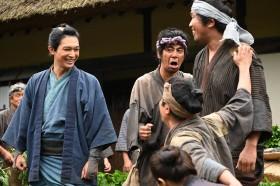 第3回「栄一、仕事はじめ」より(C)NHK